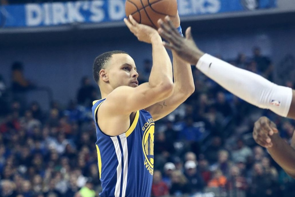 NBA: Warriors vencen a los Mavs
